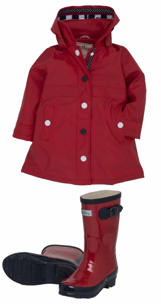 moda infantil para la lluvia - cazadora y botas de agua