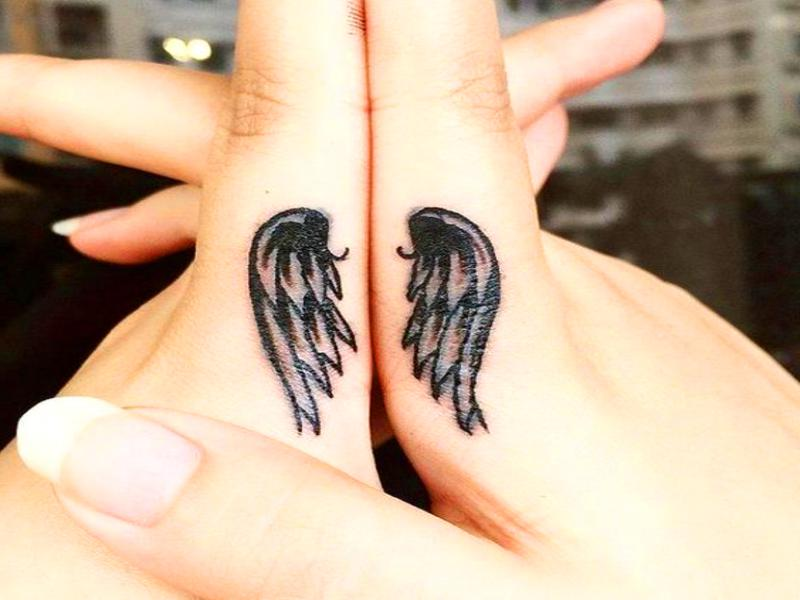 tatuajes-pequeños-para-parejas-enamoradas